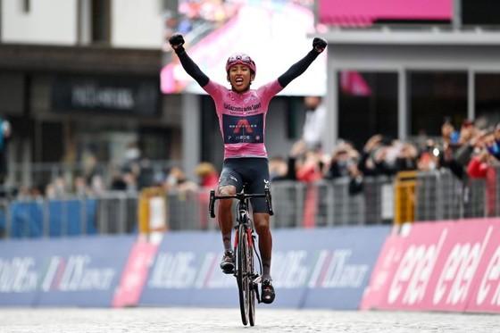 Áo hồng Egan Bernal không dự Tour de France và bỏ ngỏ Olympic ảnh 3