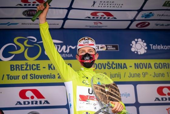 Áo vàng Tour de France Tadej Pogacar giành cú đúp giải xe đạp Tour of Slovenia 2021 ảnh 2