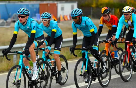 """Đội đua Astana-Premier Tech """"nội chiến thượng tầng"""" ngay trước Tour de France ảnh 2"""
