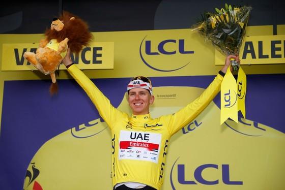 Mark Cavendish lần thứ ba thắng chặng gia tăng khoảng cách Áo xanh ảnh 3