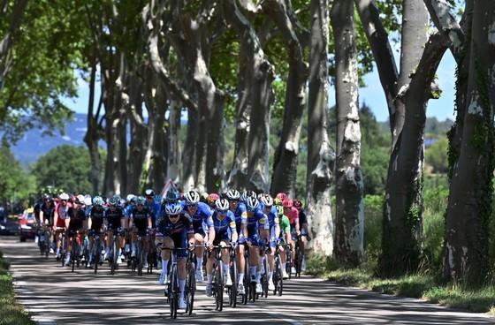 Mark Cavendish cân bằng kỷ lục thắng chặng ở Tour de France ảnh 1
