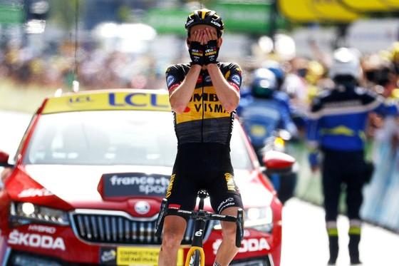 Niềm hạnh phúc của Sepp Kuss khi thắng chặng 15