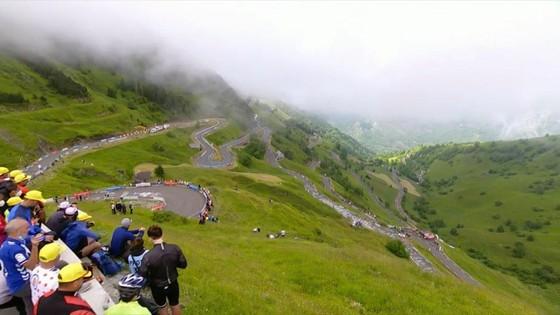 Tadej Pogacar quá mạnh thâu tóm luôn Áo đỏ vua leo núi Tour de France 2021 ảnh 1