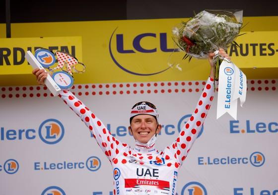 Tadej Pogacar quá mạnh thâu tóm luôn Áo đỏ vua leo núi Tour de France 2021 ảnh 3