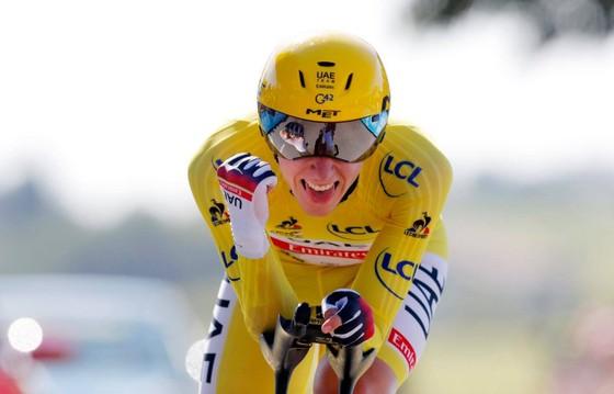 Wout Van Aert thắng chặng cá nhân tính giờ với  tốc độ trung bình 51,5 km/giờ ảnh 2