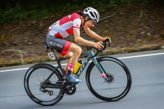 Chiến thắng ấn tượng của nữ tay đua Anna Kiesenhofer ảnh 2