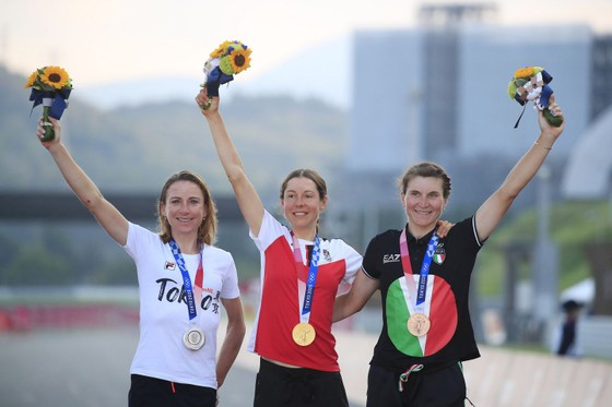 Chiến thắng ấn tượng của nữ tay đua Anna Kiesenhofer ảnh 3
