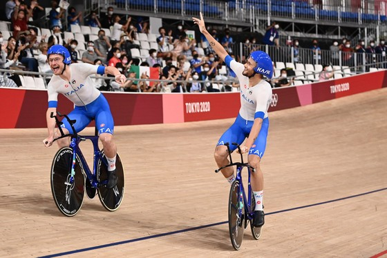 Niềm vui của các tay đua Ý