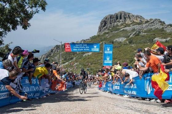 Romain Bardet xuất sắc thắng chặng lấy luôn giải thưởng Vua leo núi ảnh 5