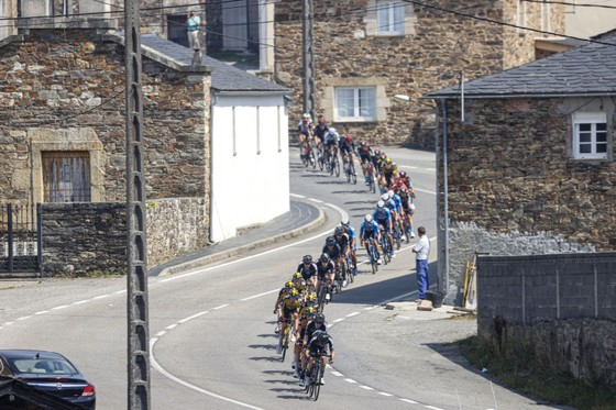 Magnus Cort hoàn tất hat-trick tại giải xe đạp Vuelta a Espana ảnh 2