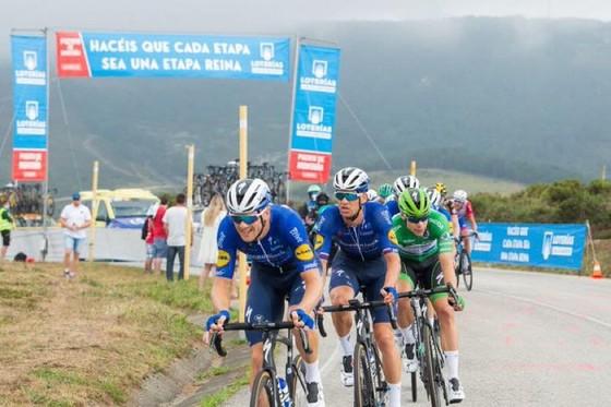 Magnus Cort hoàn tất hat-trick tại giải xe đạp Vuelta a Espana ảnh 4