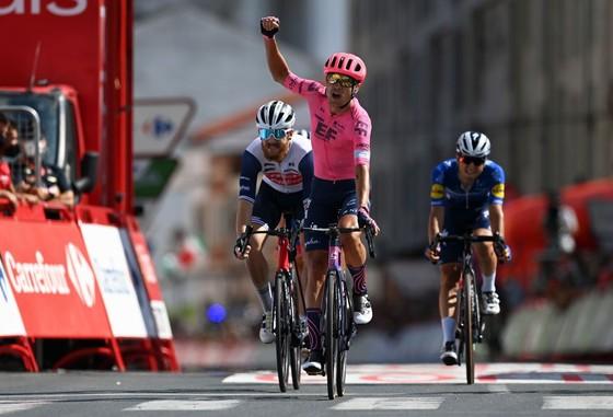 Magnus Cort lần thứ ba thắng chặng tại Vuelta a Espana