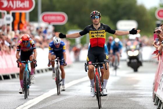 Wout Van Aert lần thứ 3 thắng chặng tại Tour of Britain 2021