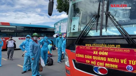 UBND tỉnh Quảng Ngãi đưa người dân về quê tránh dịch ảnh 1