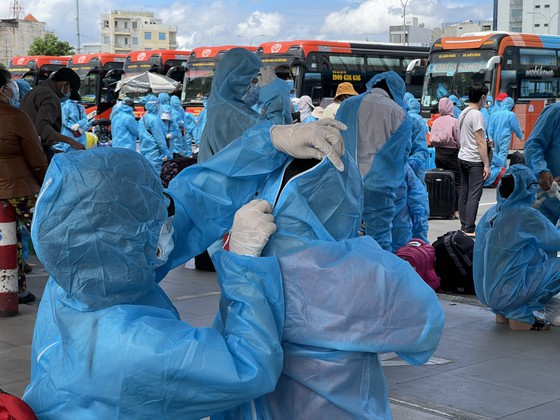 UBND tỉnh Quảng Ngãi đưa người dân về quê tránh dịch ảnh 2