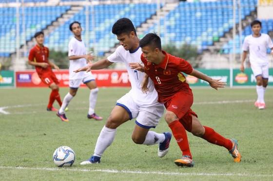 Đội U18 Việt Nam vươn lên dẫn đầu bảng B sau 2 trận thắng liên tiếp. Ảnh: VFF