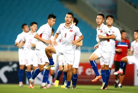 Đội tuyển Việt Nam trong buổi tập cuối cùng chuẩn bị cho trận đấu. Ảnh: MINH HOÀNG