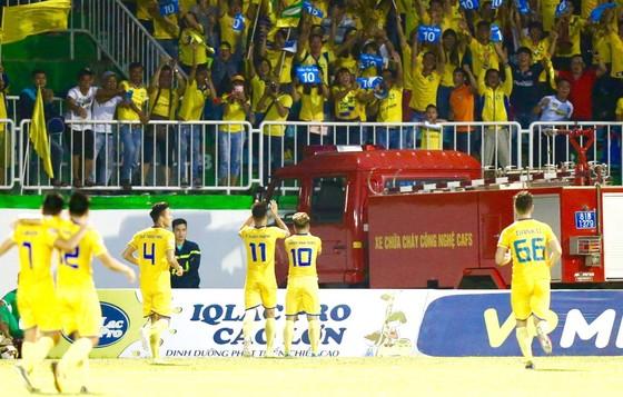 Trực tiếp vòng 21 V-League 2017: HA.GL tiếp tục sa sút ảnh 1