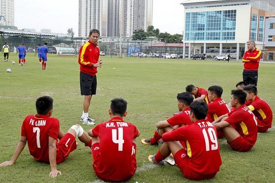 Đội U19 Việt Nam đang tích cực chuẩn bị cho giải. Ảnh: MINH HOÀNG