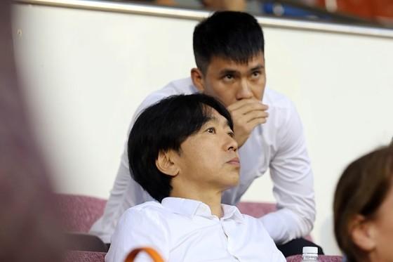 Tường thuật vòng 25 V-League 2017: Cuộc đua vô địch tiếp tục gay cấn ảnh 2