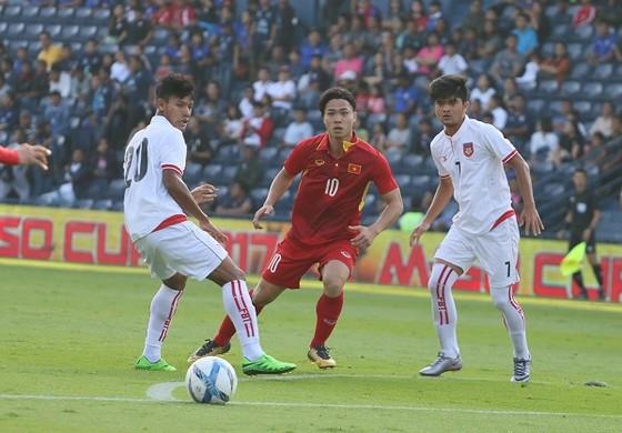 Quang Hải tỏa sáng, U23 Việt Nam đặt 1 chân vào bán kết M-150 Cup ảnh 1