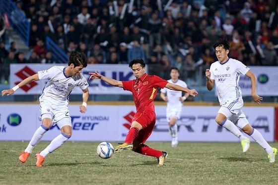 Công Phượng vẫn là đầu tàu trên hàng công U23 Việt Nam. Ảnh: MINH HOÀNG