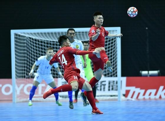 ĐT futsal Việt Nam đã đánh rơi chiến thắng đáng tiếc trước Malaysia. Ảnh: QUANG THẮNG