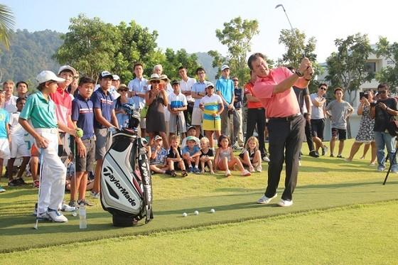 Huyền thoại Golf Nick Faldo đã đến Việt Nam ảnh 1