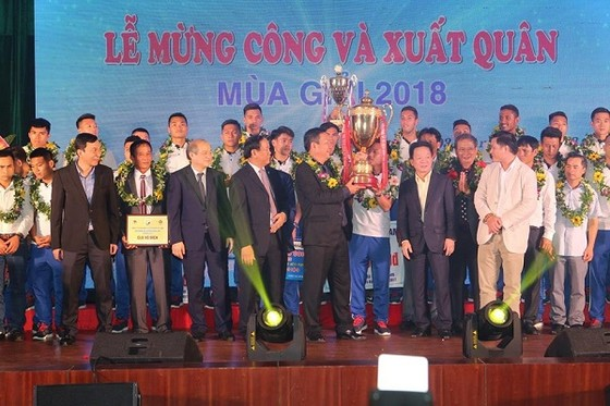 Quảng Nam đặt mục tiêu tốp 3 ở V-League 2018 ảnh 1