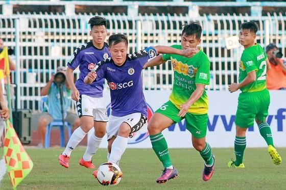 Đội Cần Thơ phản ứng trọng tài sau trận thua đậm trước Hà Nội ảnh 1