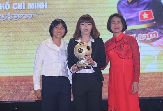 Kiều Trinh trong đêm Gala trao giải Quả bóng vàng Việt Nam năm 2017. Ảnh: DŨNG PHƯƠNG