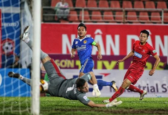 Những điểm nhấn vòng 5 Nuti Cafe V-League 2018 ảnh 4