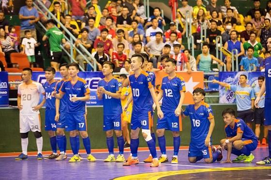 Hanoi Bufaloes giành chức vô địch trong trận cầu có tới 12 bàn thắng ảnh 1