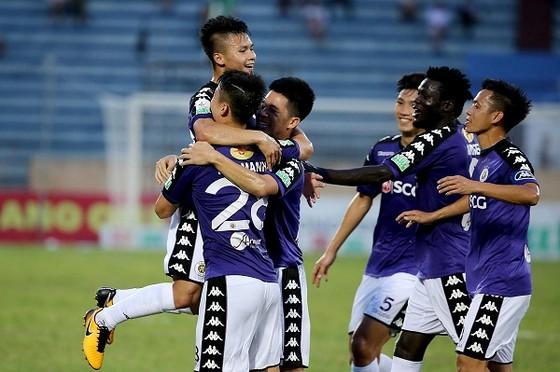 CLB Hà Nội có chiến thắng dễ dàng trên sân Thiên Trường. Ảnh: MINH HOÀNG