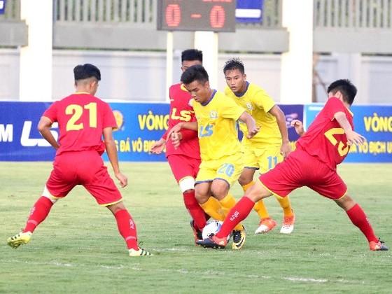 VCK giải U17 quốc gia - Cúp Thái Sơn Nam 2018, Chủ nhà khởi đầu thuận lợi ảnh 1