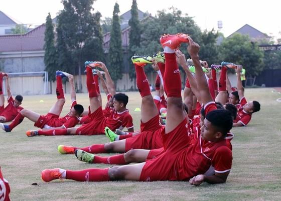 U19 Việt Nam thả lỏng sau trận hòa Thái Lan ảnh 1
