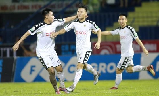 Vòng 20 Nuti Cafe V-League 2018: CLB Hà Nội gần cán đích ảnh 2