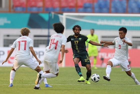 Nhật Bản (áo trắng) thắng dễ Pakistan. Ảnh: DŨNG PHƯƠNG