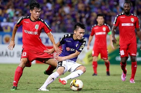 Trận lượt về Cúp Quốc gia giữa B.Bình Dương và Hà Nội sẽ được đá ngày 23-9. Ảnh: MINH HOÀNG