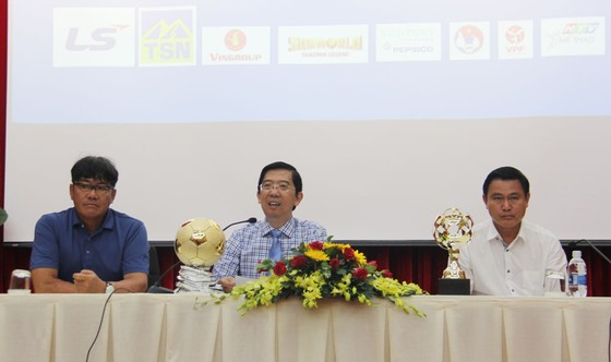 Họp báo công bố Giải thưởng Quả bóng Vàng Việt Nam 2018 ảnh 3