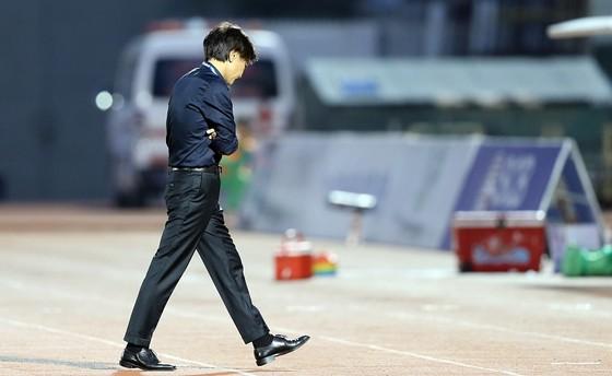 CLB TPHCM chia tay HLV Miura vì thành tích không tốt ảnh 1