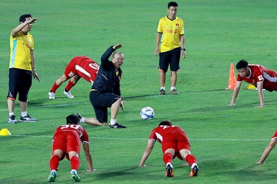 Đội tuyển Việt Nam gấp rút chuẩn bị cho AFF Cup 2018. Ảnh: MINH HOÀNG