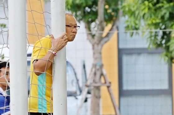 HLV Park Hang-seo liệu tiếp tục suy tư trong việc chọn thủ môn lần này? Ảnh: MINH HOÀNG