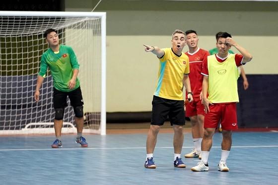 Đội tuyển futsal Việt Nam hướng đến trận thắng đầu tiên ảnh 1