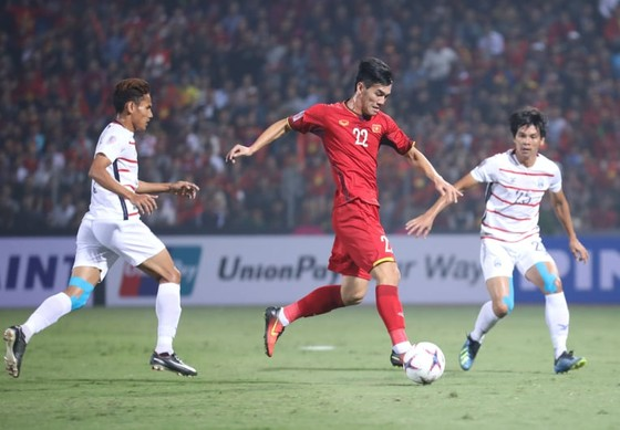 Việt Nam - Campuchia 3-0: Lấy ngôi đầu bảng ảnh 3