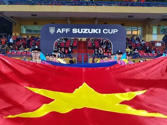 Việt Nam - Campuchia 3-0: Lấy ngôi đầu bảng ảnh 2