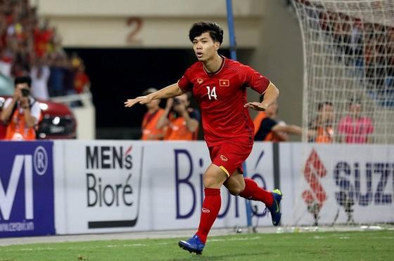 Công Phượng đã chơi bùng nổ trong trận đấu giữa hai đội ở vòng bảng. Ảnh: MINH HOÀNG