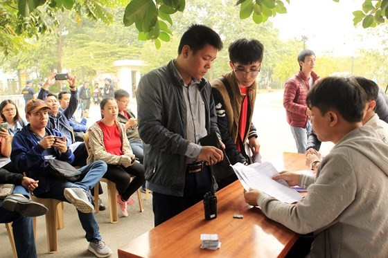 VFF trả vá cho khán giả đặt lệnh mua thành công ở AFF Cup. Ảnh: MINH HOÀNG
