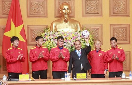 Thủ tướng trao Huân chương Lao động hạng Nhất cho đội tuyển Việt Nam ảnh 2