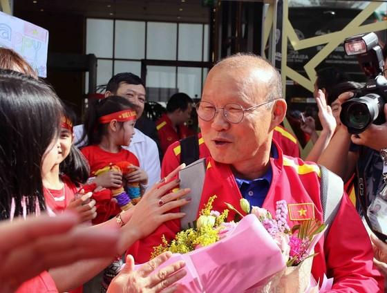 Đội tuyển Việt Nam đến UAE ảnh 5